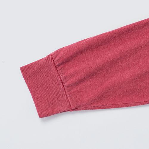 袖口は伸縮性の高いリブ仕様